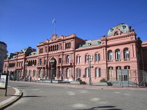 2013-11-22-512pxCasa_Rosada_Buenos_Aires.jpg