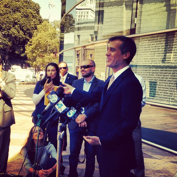 2013-11-23-MayorGarcettiatULIsToLA.jpg