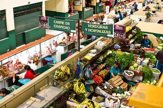 2013-11-24-foodfromamarkethugoghiara2.jpg