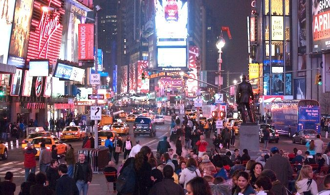 Why i love cheesy and overrated tourist activities huffpost for Activities in times square