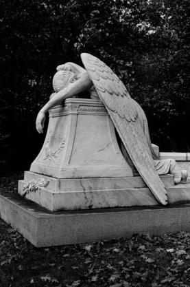 2013-11-27-angelstatueboredsm.jpg