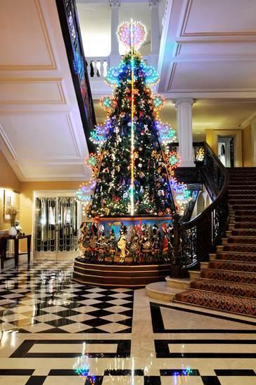 Claridges Christmas Tree Designed By Dolce Amp Gabbana