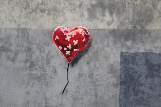 2013-11-30-BanksyHeart.jpg
