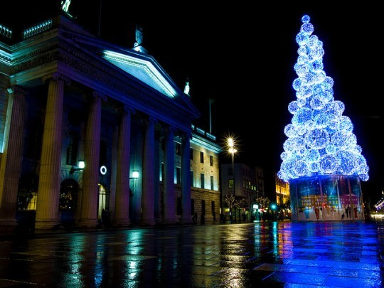 2013-12-02-ChristmasTreeDublin.jpg