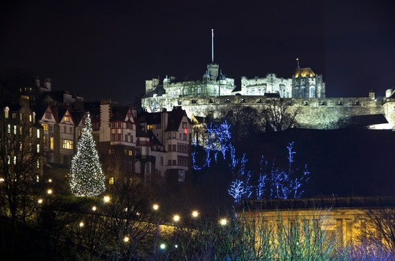 2013-12-02-Edinburghmoundxmas.jpg