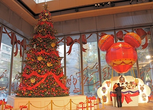 2013-12-03-Disneytree3.JPG