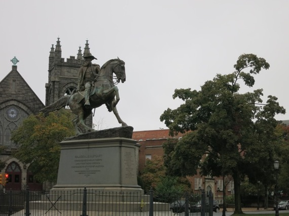 2013-12-06-MonumentAveRichmondVA.jpg