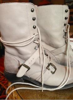 2013-12-08-boots.jpg