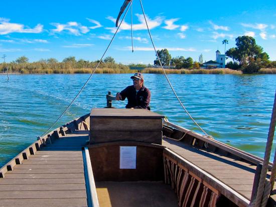 2013-12-09-BoatmaninAlbufera.jpg