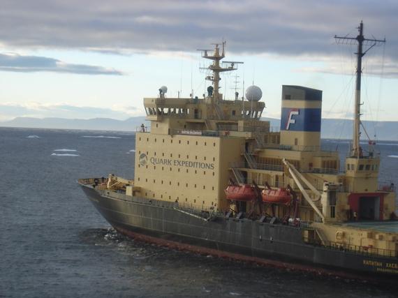 2013-12-09-Icebreakercruiseship.JPG