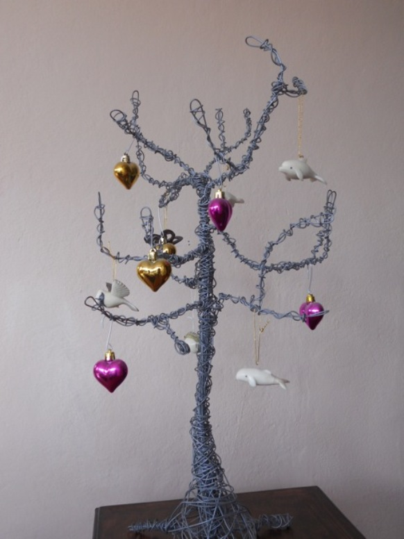 Christmas Decorations At Haskins : The holiday ornaments of ecuador huffpost