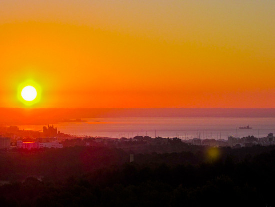 2013-12-11-SunriseoverPalma.jpg