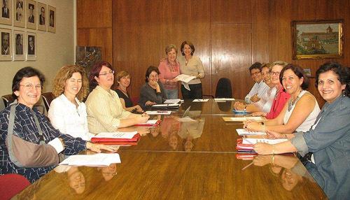 2013-12-16-cmrubinworldMaria_de_Castro_Brazil_meeting_teachers500.jpg