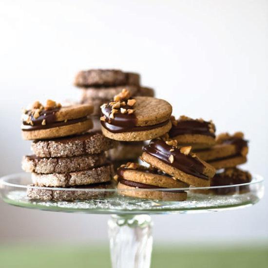 2013-12-16-hazelnutsandwichcookies.jpg
