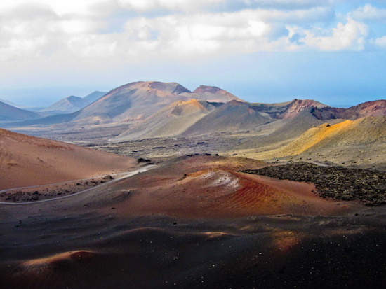 2013-12-17-LanzaroteVolcanolandscape.jpg