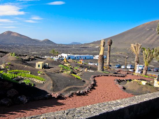 2013-12-17-Lanzarotelandscape.jpg