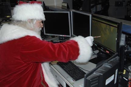 2013-12-19-Santapreparingflightplan.jpg