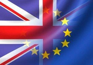 2013-12-19-UK_EUflags.jpg
