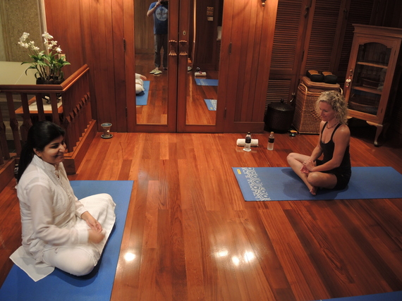 2013-12-20-yoga.JPG