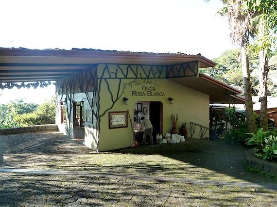 2013-12-24-costaricafincarosablancareception.JPG