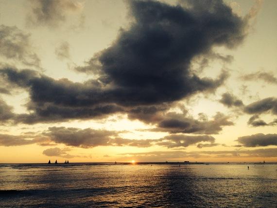 2013-12-29-SunsetWaikiki.JPG
