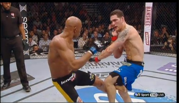2013-12-29-UFC168SilvabrokenlegVersability.jpg