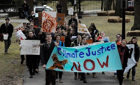 2013-12-30-TuftsStudentsProtestingforDIvestmentFossilFuels.jpg