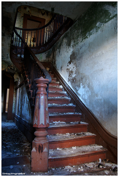 The Forgotten Staircases Of Abandoned Buildings [PHOTOS