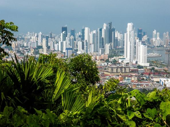 https://images.huffingtonpost.com/2014-01-03-Panama8IL.jpg