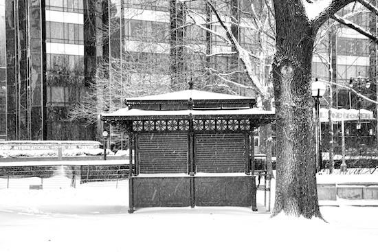 2014-01-03-nycsnowottsworld3.jpg