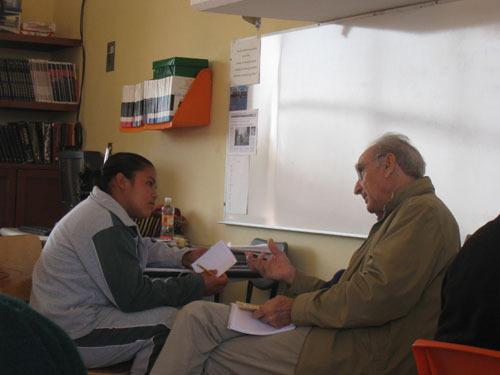 2014-01-06-cmrubinworldGabriel_Cmara_Mexico_Tutoring_a_student500.jpg