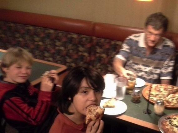 2014-01-06-pizzawithfamily.jpg