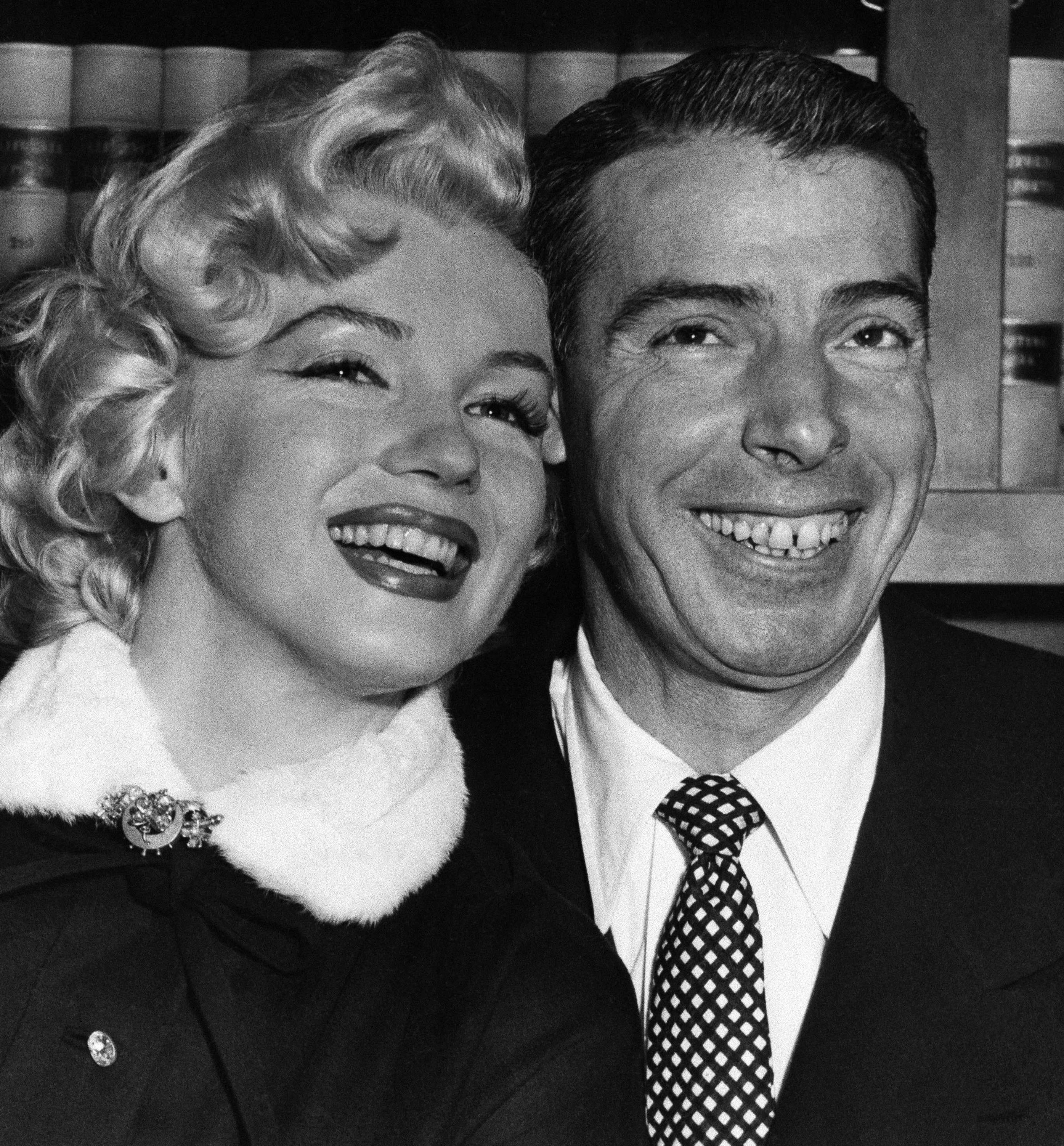 A Look Back At Marilyn Monroe And Joe Dimaggio S Wedding