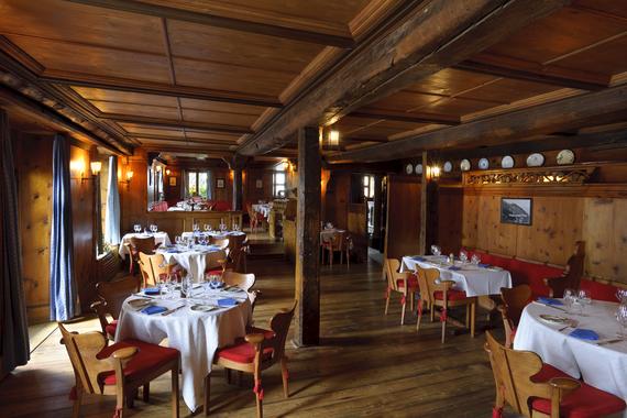 2014-01-24-BADRUTTSRestaurant_ChesaVeglia_PatrizierStuben_H_01.jpg
