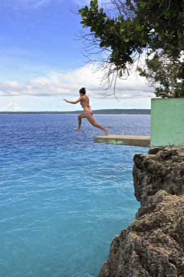 Siquijor cliff jumping