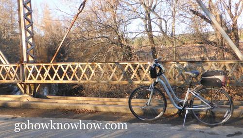 2014-01-28-BikeonLambertBridge.jpg
