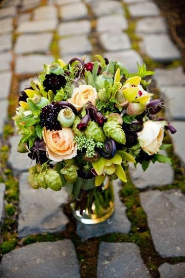 2014-01-31-bridalbouquetwithchocolate