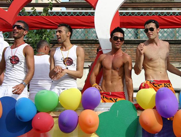 Gay hookup in milan