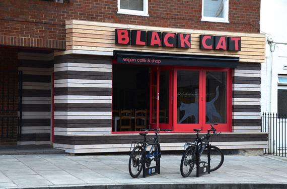 2014-02-12-BlackCatcafe.jpg