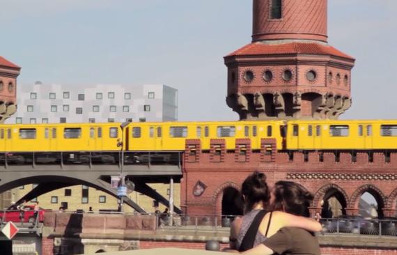2014-02-13-BerlinKissing.jpg