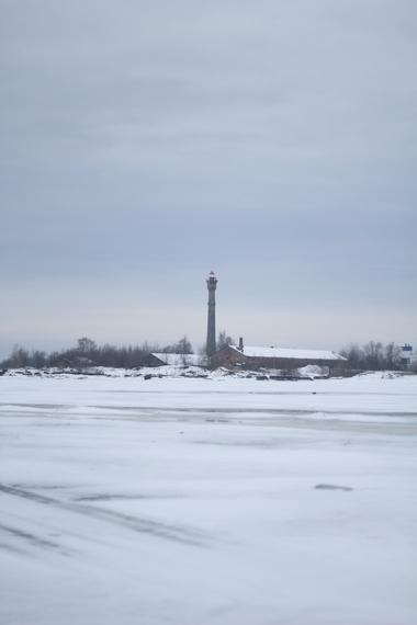 2014-02-13-IMG_2259lighthouse_over_ice.JPG