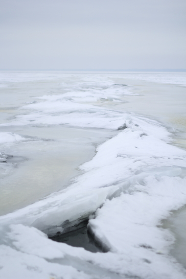 2014-02-13-IMG_2269lighthouse_over_ice.JPG