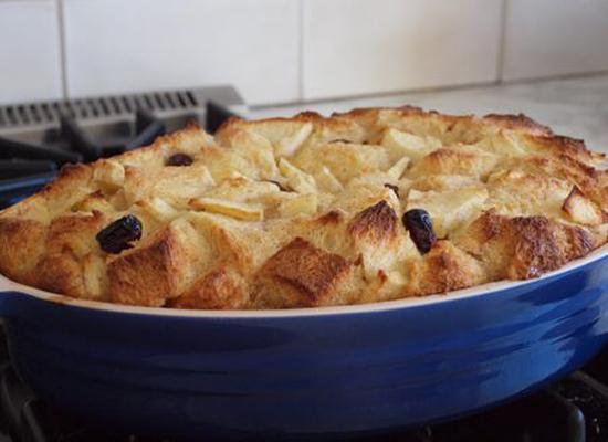 apple rum raisin bread pudding