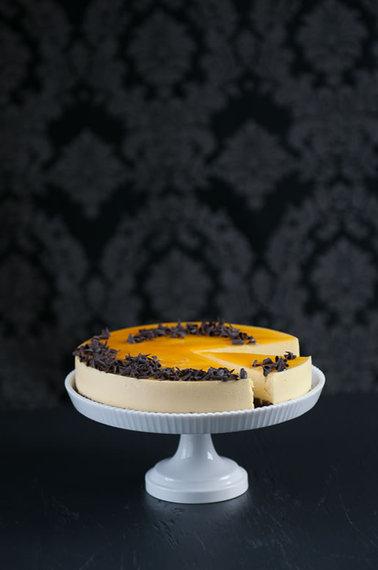2014-02-13-cake_passion_mousse_main_1.jpg