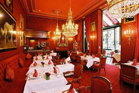 2014-02-13-sacher_red_bar.jpg