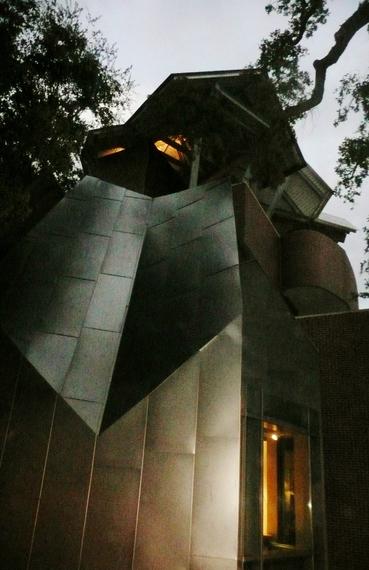 2014-02-17-TheOhrOKeefeMuseum.JPG