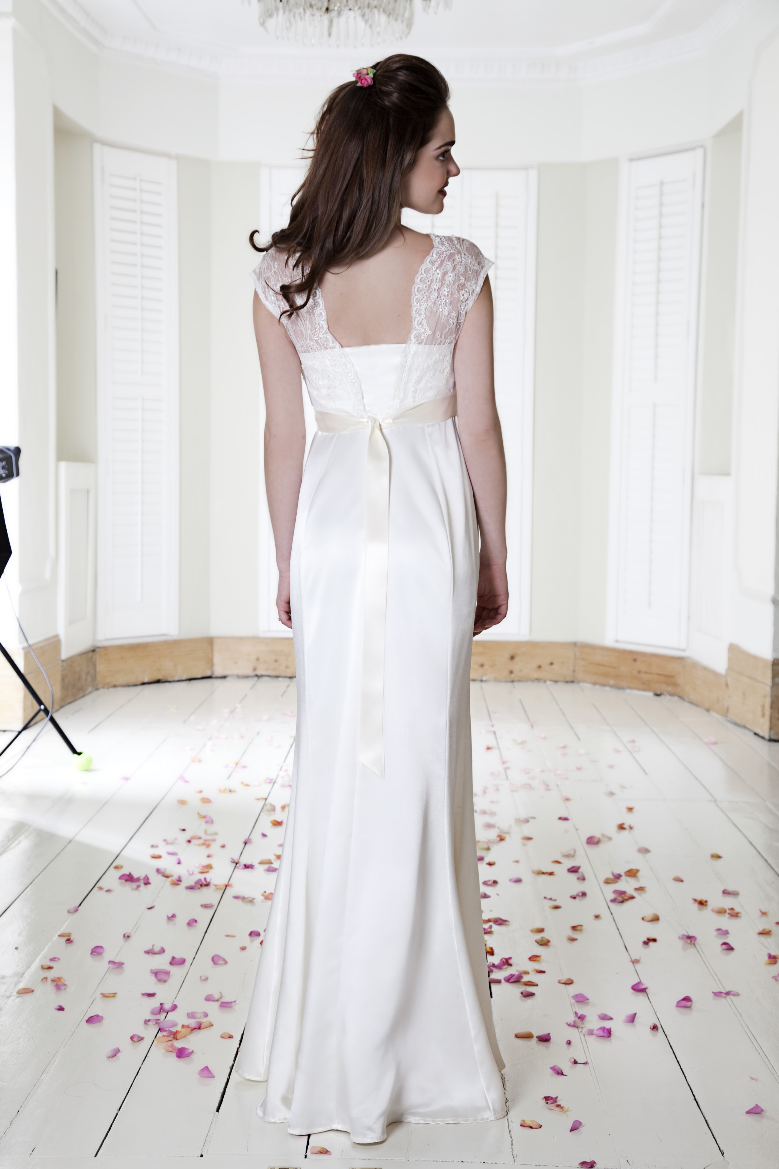 Lace Silk And A Bump Bridal Trends For 2014