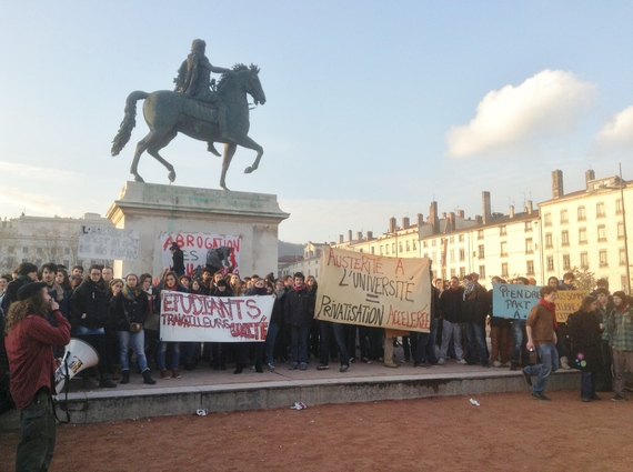 2014-02-18-studentprotestbellecour.JPG