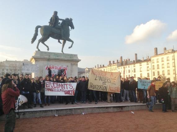 2014-02-18-studentprotestbellecour.JPG