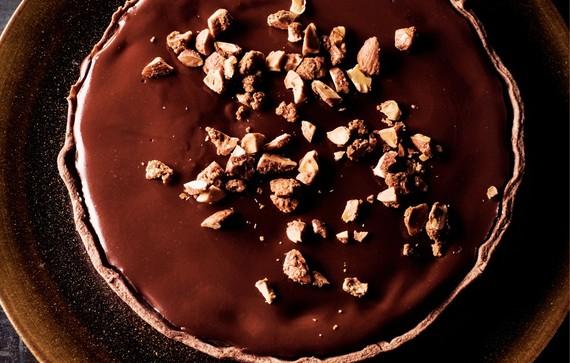 2014-02-19-chocolateonchocolatetartwithmaplealmonds940x600.jpeg